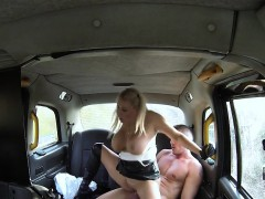 huge-tits-cab-driver-in-gloves-wanking