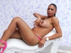 Trans Babe Andreia De Oliveira Pleases Herself