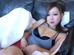 asian-webcam-cutie-jerking-off-toying