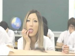 japanese-sexy-amateur-blowjob