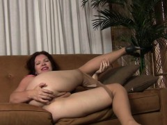 American Milf Kimberlee Fingers Her Pussy And Ass