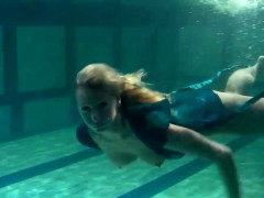 blonde-feher-with-big-firm-tits-underwater