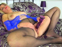 english-milf-emma-fucks-her-shaven-cunt-with-a-dildo