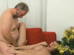 Young Beauty Experiences The Hottest Ever Fuck By Old Ramrod