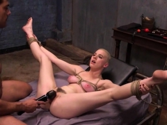 Submissive Riley Nixon Gets Punished