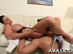 makes-older-facesitting-porn-scenes-at-home
