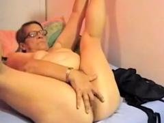 mature-bbw-strip-and-masturbate