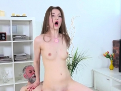 young-whore-roxy-c-has-her-pussy-beaten-up