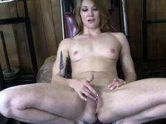 female-bodybuilder-redhead-makes-herself-cum