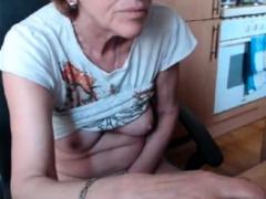 mature-pussy-rub-rub