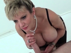 cheating-british-mature-lady-sonia-shows-off-her-enormous-bo