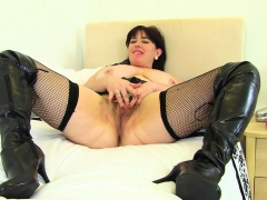 english-milf-karina-looks-hot-in-leggings-and-long-boots