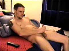 Straight Boy Axel Beats Off