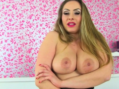 British milf Sarah Kelly takes care of her needs on toilet