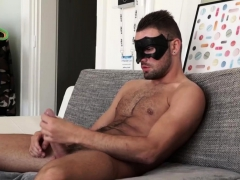 mysterios-straight-hunk-wanks-in-a-kitchen