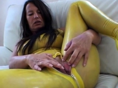 latexangel-extreme-latex-kink-gaping-cunthole