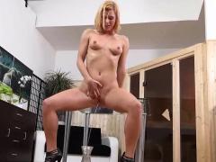 Wetandpissy - Chrissy Fox - Peeing Her Pants