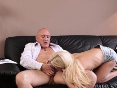 daddy4k-mature-guy-embarks-spontaneous-sex-with-winsome