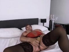 redhead-bbw-mature-masturbating