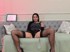 Stockings Brit Eats Pussy
