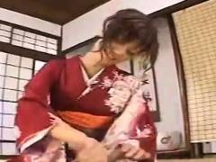 subtitled-japanese-milf-masseuse-taught-handjob-massage