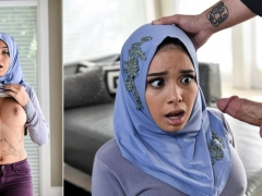 Aaliyah Hadid In Teenage Anal In Her Hijab