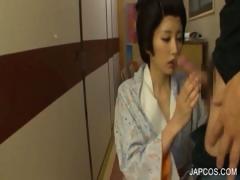 blowjob-on-knees-with-sweet-geisha