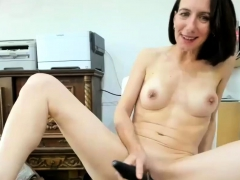 lustful shaved milf and her hitachi