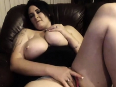 amateur-annebest-flashing-boobs-on-live-webcam