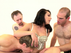 throating-group-shemale