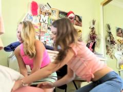 lesbian-masseuse-scissoring-massage-babe