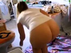 big booty kitchen clean