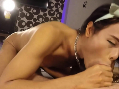 amateur-ladyboy-amanda-gives-good-blowjob