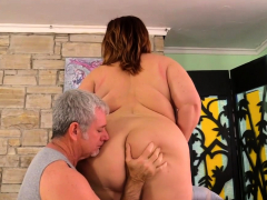 Masseur Pleasures Mature Bbw Lady Lynn Porn Video