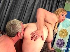 chubby-amazon-darjeeling-anally-stuffed