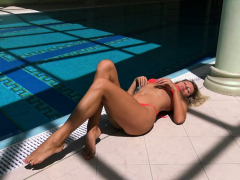 famous mary kalisy is posing swimming naked for xxxwater