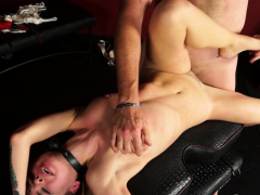 Submissive Teen Doxy Adores Bizarre Sex With A Guy