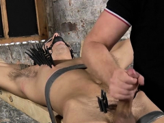 hot-lad-is-into-servitude-sex