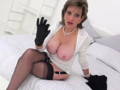british-mature-lady-sonia-tells-us-about-her-gangbang