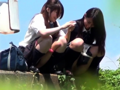 asian-teens-in-uniform-spied-on-pissing