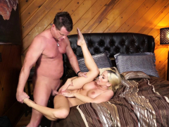 mature-blonde-babe-christie-stevens-greets-her-brother-in