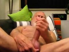 silver-daddy-bear-talking-dirty-cumming