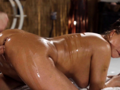 massage-rooms-big-tits-russian-anna-polina-oiled