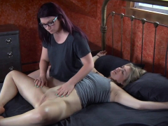 busty-submissive-gets-flogged-during-bondage