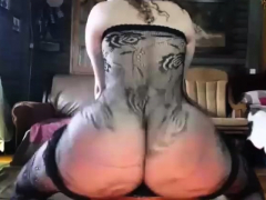 Cam Girl With An Amazing Ass Shakes It For What It's Worth