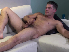 Muscular soldier stud whips his dick out