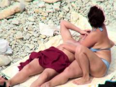 hot-body-nudist-chicks-beach-voyeur-vid