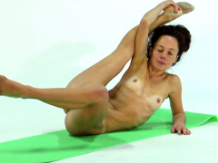 anna-ocean-super-flexible-and-hot-babe