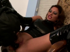 slave-celebrating-his-lusty-mistress