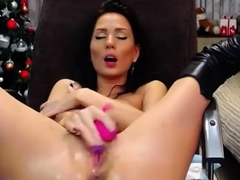 amateur-pussy-masturbation-close-up-on-webcam